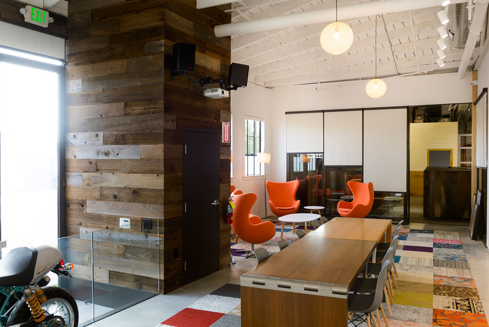 Make Work Space Lounge